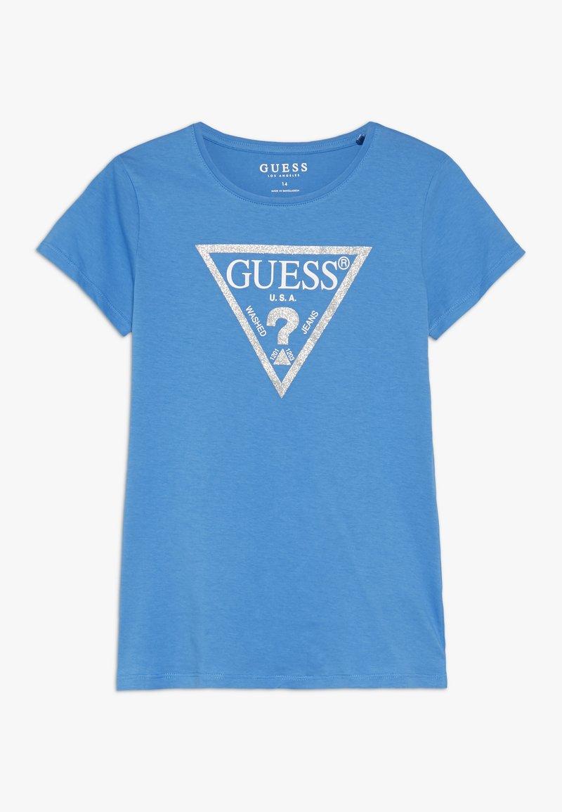 Guess - JUNIOR CORE - Print T-shirt - honey blue/bleu