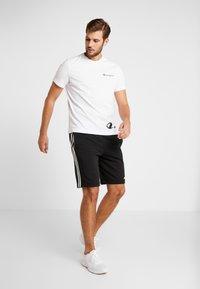 Champion - CREWNECK  - T-shirts print - white - 1