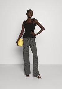 Bruuns Bazaar - CARLA ANNA - Top - black - 1