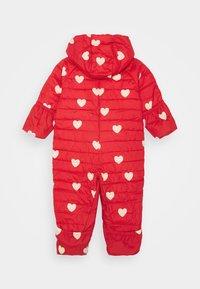 Mini Rodini - HEARTS BABY OVERALL - Combinaison de ski - red - 1