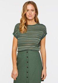 WE Fashion - WE FASHION DAMEN-FEINSTRICKPULLOVER - Print T-shirt - green - 0