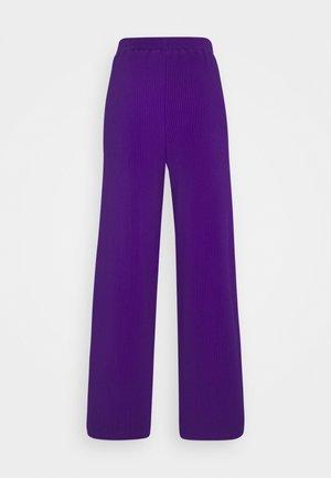 LIANA - Pantalon classique - lila