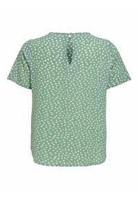 ONLY Carmakoma - CARLUXINA - Print T-shirt - chinois green - 4