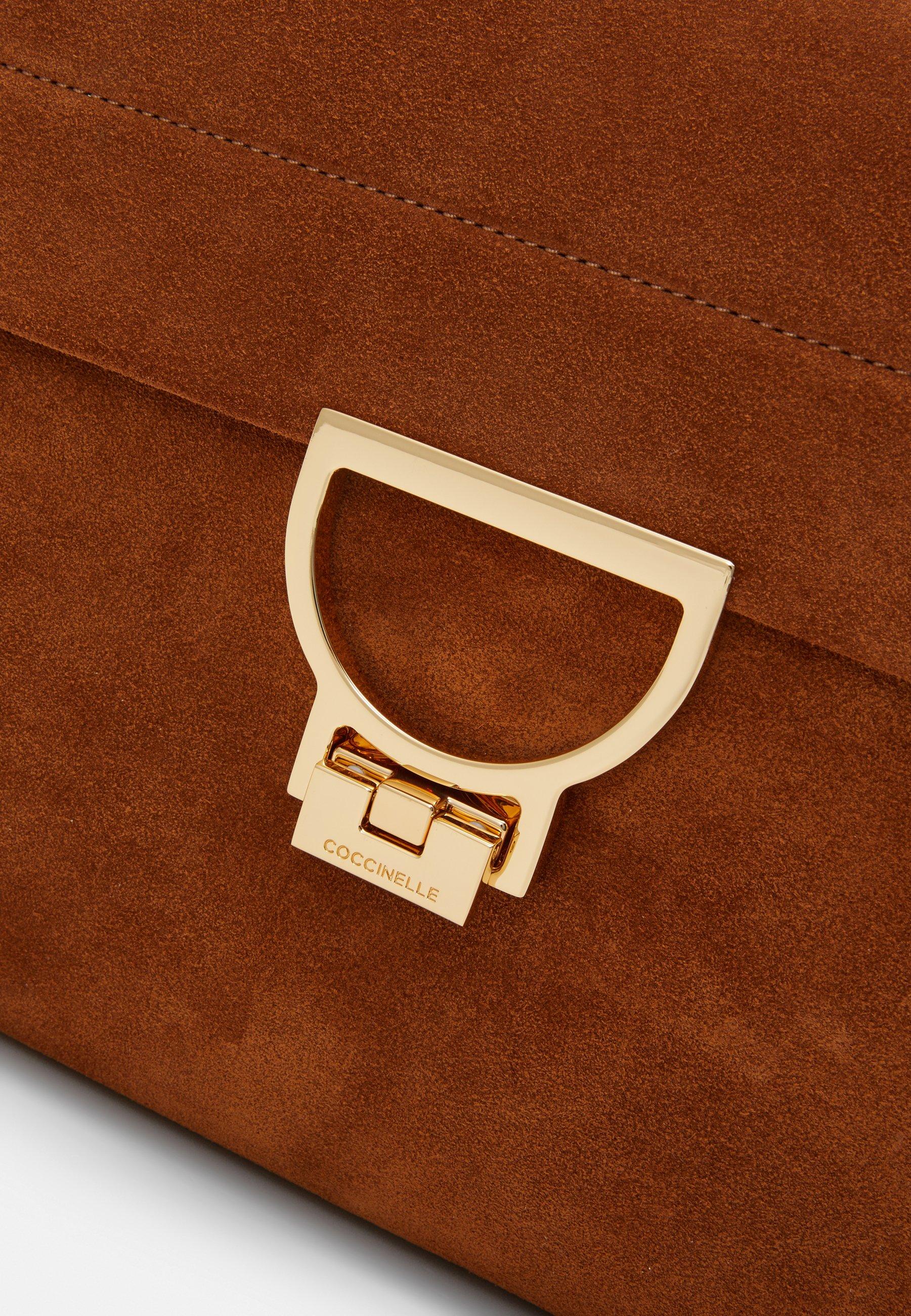 ARLETTIS MED SHOULDER Handväska caramel