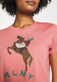 Polo Ralph Lauren - SHORT SLEEVE - T-shirt z nadrukiem - desert rose - 4