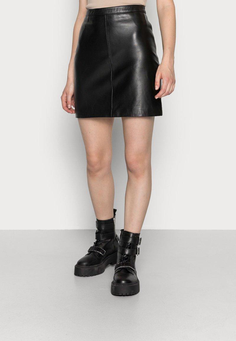 Object - OBJCHLOE SKIRT - Leather skirt - black