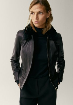 MIT ABNEHMBAREM - Leather jacket - black