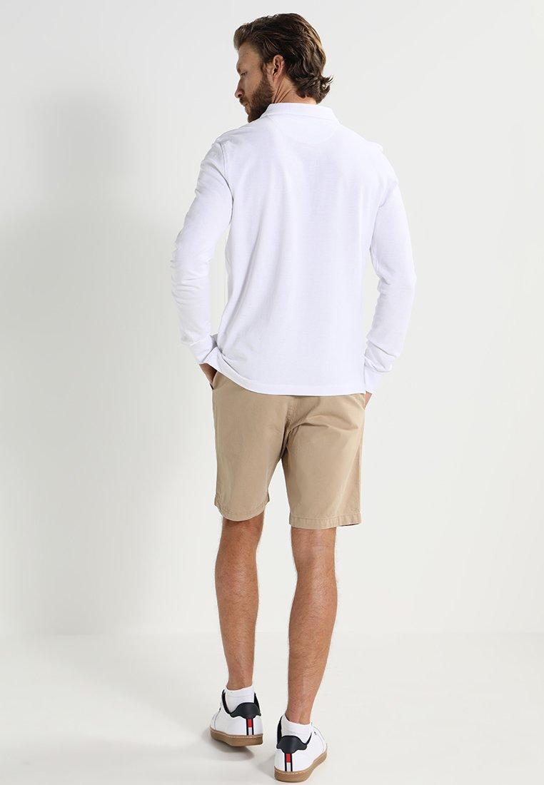Pier One Poloskjorter - White/hvit