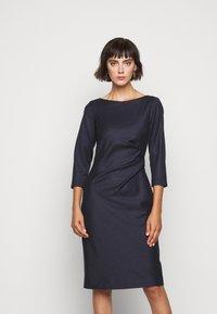 WEEKEND MaxMara - BURGOS - Pouzdrové šaty - blau - 0