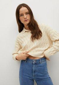 Mango - CATHERIN - Flared Jeans - middenblauw - 3