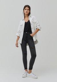PULL&BEAR - SKINNY HIGH WAIST - Jeans Skinny Fit - dark grey - 1