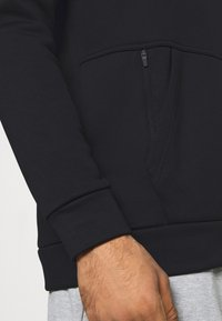 Nike Performance - CREW STANDARD FIT - Felpa - black - 4