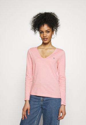 REGULAR CLASSIC - Long sleeved top - glacier pink