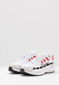 Nike Sportswear - P-6000 - Sneakers - white/particle grey/university red/neutral grey/black - 5