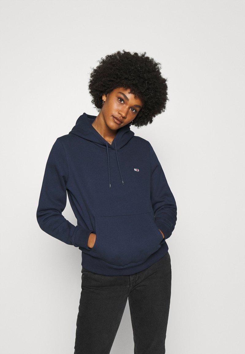 Tommy Jeans - REGULAR HOODIE - Sweat à capuche - blue