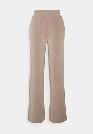 PCLISE WIDE PANT LOUNGE  - Pantalones - cinder