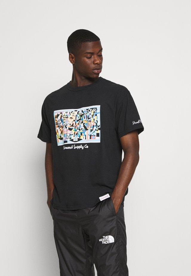 STUART DAVIS TEE - Print T-shirt - black