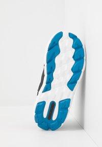 Viking - SPECTRUM MID GTX - Zapatillas de senderismo - black/blue - 5