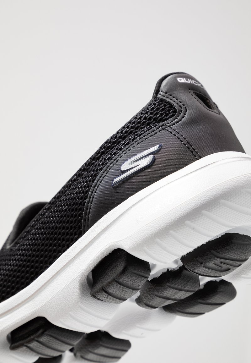 flaco Conciliador arrastrar  Skechers Performance GO WALK 5 - Zapatillas para caminar -  black/white/negro - Zalando.es