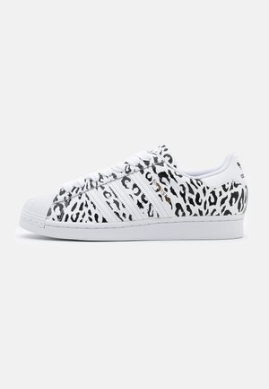 SUPERSTAR SPORTS INSPIRED SHOES - Tenisky - footwear white/core black/gold metallic