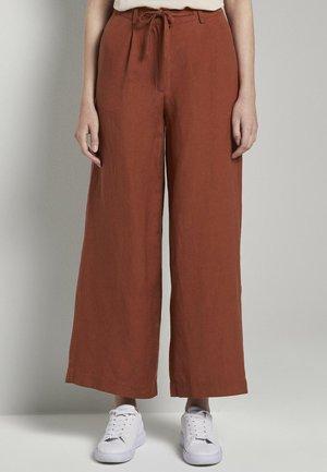 Trousers - goji orange