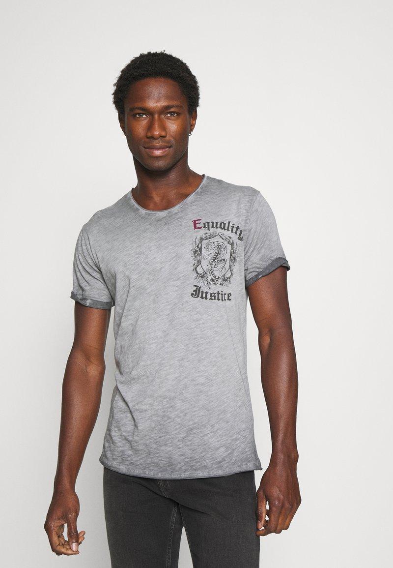 Key Largo - JUSTICE ROUND - Print T-shirt - anthra