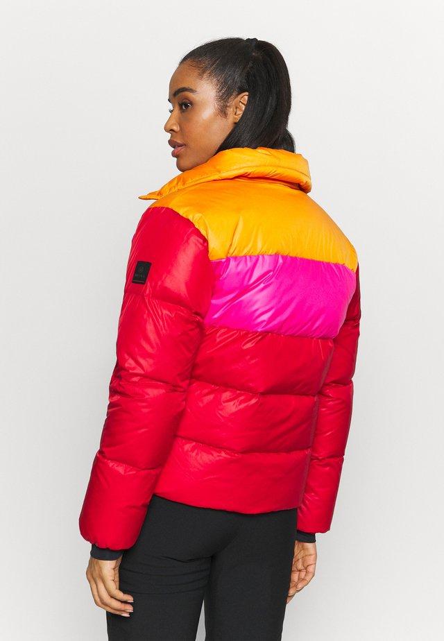GARDA - Skijakker - red