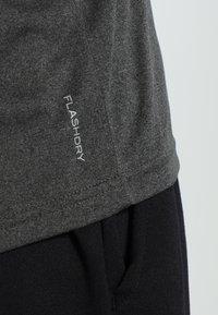 The North Face - MEN'S REAXION AMP CREW - Basic T-shirt - dark grey heather - 3