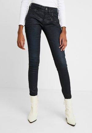 LYNN BIKER MID SKINNY - Jeans Skinny Fit - worn in tidal cobler