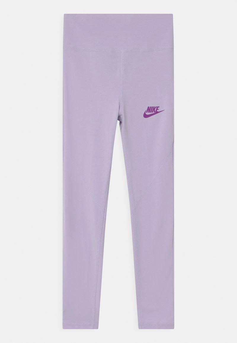 Nike Sportswear - FAVORITES - Legíny - purple chalk
