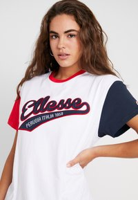 Ellesse - DAKOTA - Print T-shirt - white - 4