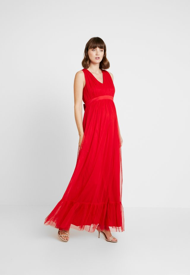V FRONT DRESS WITH BOW AND GATHERED - Festklänning - poppy red