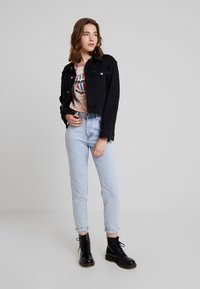 Gina Tricot - DAGNY HIGHWAIST - Jeans relaxed fit - light blue snow - 1