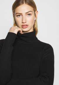 Even&Odd - 2-PACK-CROPPED TURTLE NECK - Jumper - black/sand - 5