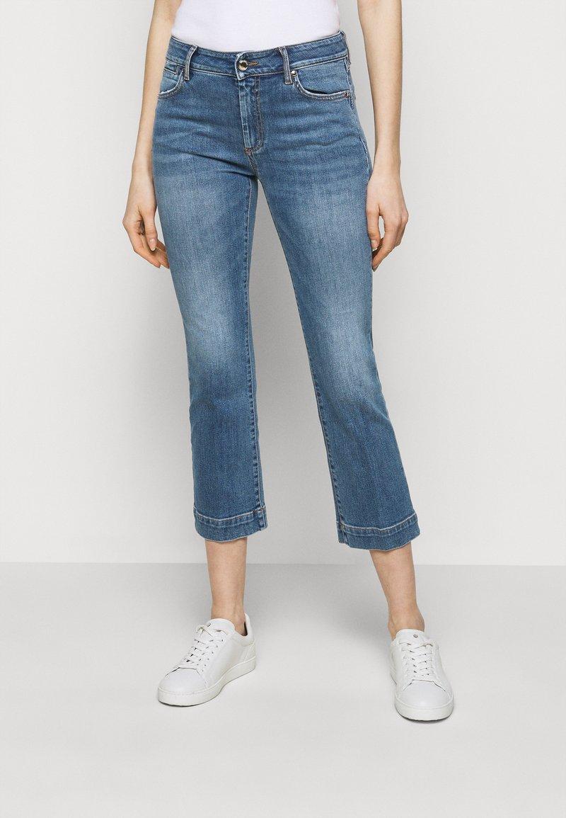 Sportmax - BERMA - Flared Jeans - nachtblau