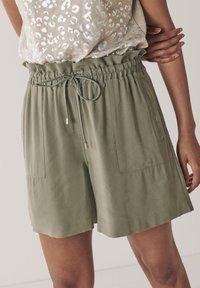 Next - EMMA WILLIS  - Shorts - grey - 0