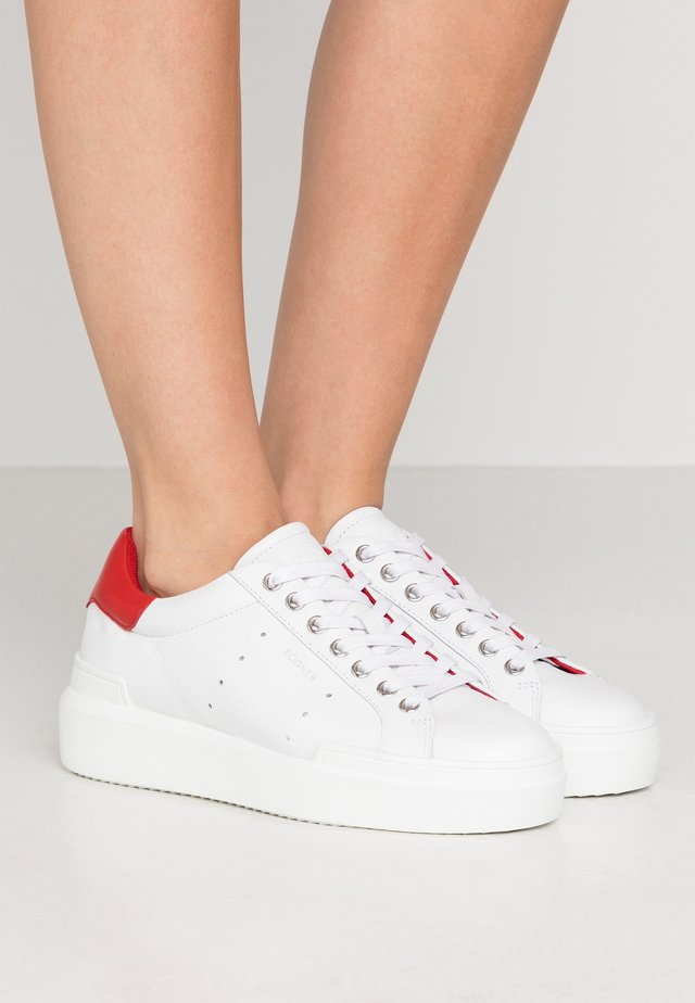 HOLLYWOOD  - Sneakersy niskie - white/red