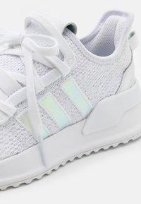 adidas Originals - U PATH SPORTS INSPIRED SHOES UNISEX - Trainers - footwear white/core black - 5