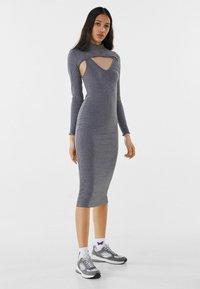 Bershka - Pouzdrové šaty - light grey - 1