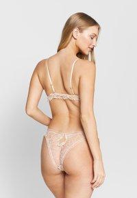 Le Petit Trou - BRA MEYSSE - Kaarituettomat rintaliivit - nude - 2