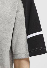 Nike Sportswear - ARCHIVE - Print T-shirt - dark grey heather/black/white - 5