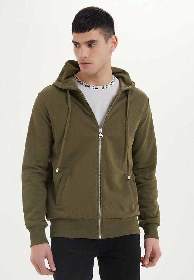 ESSENTIALS  - veste en sweat zippée - dark olive