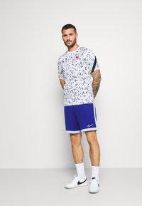 Nike Performance - FRANKREICH FFF - Article de supporter - white/blackened blue/university red - 1