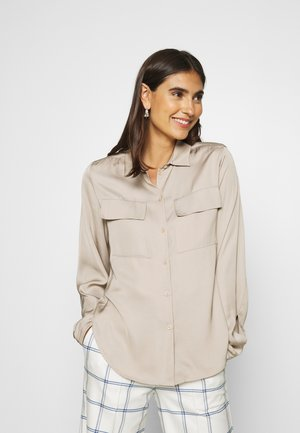 CARGO BLOUSE LONG SLEEVES CHEST POCKETS - Button-down blouse - latte macchiato