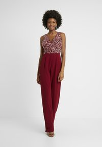 Lace & Beads Tall - PICASSO DEEP V - Overal - fiery red - 0