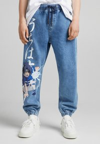 Bershka - NARUTO - Jeansy Relaxed Fit - blue denim - 0