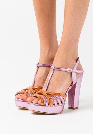 Sandály na vysokém podpatku - pink