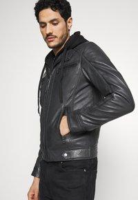 Serge Pariente - ERIC HOOD - Leather jacket - black - 3