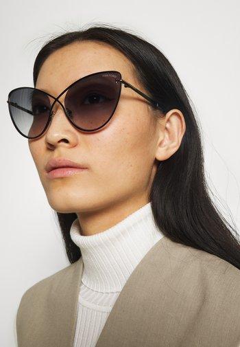 Okulary przeciwsłoneczne - matte black/gradient smoke