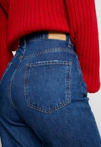 Gina Tricot - DAGNY HIGHWAIST - Jeans Relaxed Fit - true blue - 4